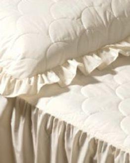 Charlotte Bedspread Set
